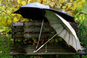 romantic-relationships-rain